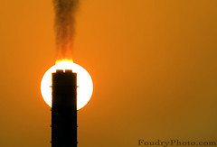 Burning Sun ! (A.alFoudry) Tags: sunset orange sun black hot art silhouette canon fire eos afternoon smoke air burning burn ii pollution heat kuwait usm 2008 ef warming burned global kuwaiti globalwarming q8 extender 30d abdullah 400mm 14x الكويت كويت canonextenderef14xii kuw canoneos30d q80 f56l كويتي xnuzha alfoudry canonef400mmf56lusm الفودري abdullahalfoudry عبداللهالفودري foudryphotocom فودري