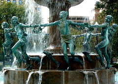 Fountain in the Park (Doberdad) Tags: water fountain children indianapolis pfogold thechallengefactory