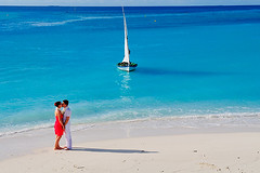 romance...! (muha...) Tags: travel wedding red sea summer sky love tourism beach al honeymoon camino scenic sunny romance hammock be maldives paraso ach muha muhaphotos anehdhivehiraaje theothermaldives caminoalparaso