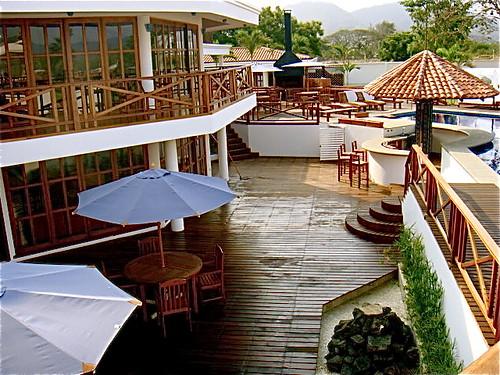 Bahia-ecuador-beach-property-deck