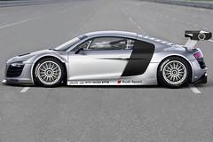 GT3-Spec Audi R8 LMS ....