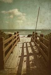 (makita ^) Tags: sea sky usa beach fence mar shadows miami playa textures cielo southbeach sombras texturas textured makita valla ltytr1
