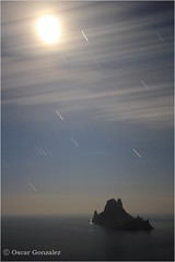 Calma total. (oscanpa ( Oscar )) Tags: angel oscar paz nocturna caminata elmundo 2014 tranquilidad arreglando 10marzo enbuenacompaa nocturnaexpress vision:mountain=0707 vision:sunset=0705 vision:sky=099 vision:clouds=0983 vision:outdoor=0902 vision:ocean=091