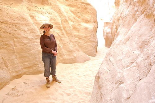Suzanne in White Canyon [4641]