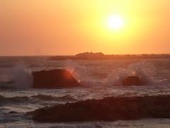 tutto il mondo  arancione! (linda!) Tags: sunset sea sun tramonto mare sicilia arancione onde