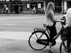 Classy (Mikael Colville-Andersen) Tags: girl fashion bicycle copenhagen style gear cycle chic      streetstyle girlsonbikes  cityhallsquare speed chic advocacy velopassioncc