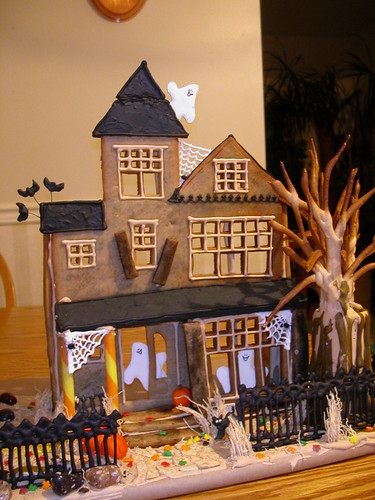 Halloween Gingerbread Facade by you.