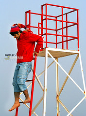 ,, (Nasser Bouhadoud) Tags: camera boy red man color cute beach canon eos 350d al down khalid hamar nasser qatar sealine  saher qatari allil saherallil  bosultan