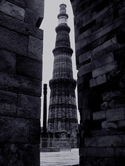Pillar and the Minar (souravdas) Tags: india tower persian iron delhi islam pillar mosque victory unescoworldheritagesite calligraphy minar sanskrit inscription gupta qutabminar qutab mehrauli iltutmish slavedynasty chandragupta sikandarlodi qutbddinaibak muhammadtughluq nastiliqi lplarge lptowers