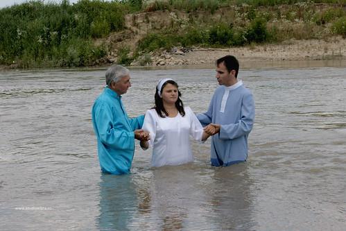 Care sunt asemănările și deosebirile între ortodocși și baptiști ?