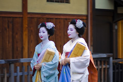 Candid photo #54 (Onihide) Tags: beautiful kyoto gorgeous maiko gionkobu removedfrommmountgroupfortags mamechiho mamehana