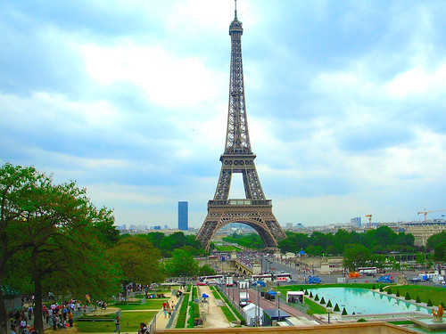 Eiffel Tower by litlesam