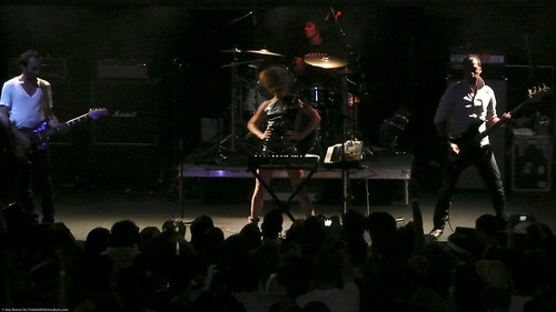 08.09 Metric @ Highline (12)