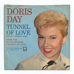 Doris Day (Don3rdSE) Tags: records pix vinyl picture pic pop 45 retro record 50s oldies sleeve rpm 45rpm picturesleeves dorisday vinyljunkie picturesleeve don3rdse nlvdon