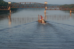 Under the bridge (Shotaku) Tags: water boats rivers tugboat barge missouririver boonville boonvillemissouri