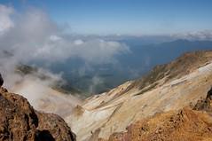 雲間からのぞく層雲峡