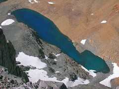 Dana Lake from Mt. Dana - this is the actual color.  This is  below the east side of the peak. (Bob_ Perry) Tags: bluewater dana yosemite perry bluelake mountdana tiogapass tioga mtdana sierrahike danalake bobperry california120 mountdanasummit danatrail danapanorama