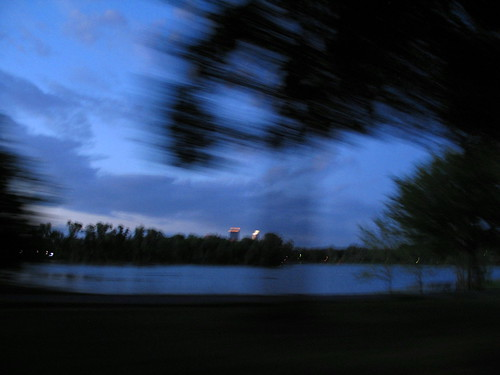 River Painting, dusk along the Mississippi River, Minneapolis, Minnesota, July 2008, photo © 2008-2009 by QuoinMonkey. All rights reserved.