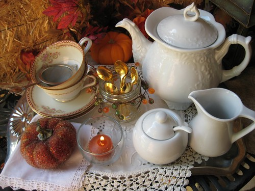 Autumn tea tray