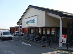 Built as a Kwik-Save. Now rebranded as a Co-op. (philipgmayer) Tags: liverpool toxteth somerfield 1000