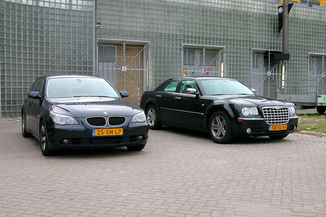 auto car bmw chrysler 300c 530d 5car