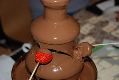 chocolate fountain & fruit (Margaret Stranks) Tags: fountain strawberry choclate internationalcafe headingtonbaptistchurch