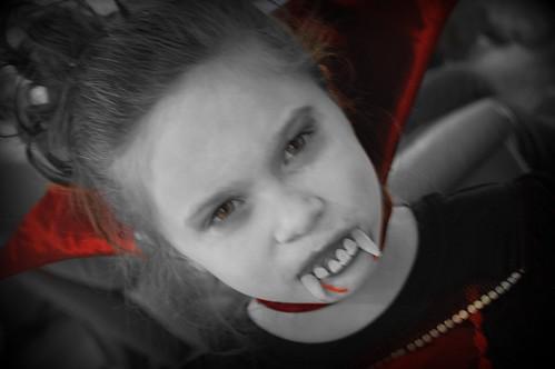 Grace Vampira 01_edits