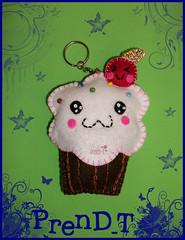 Llavero de Cupcake Kawaii (PrenD-T) Tags: cute handmade felt cupcake kawaii feltro llavero chaveiros fieltro chaveirinhos prendt
