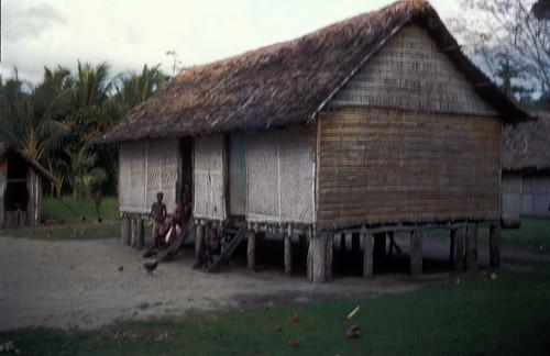 048-1Rabaul native house