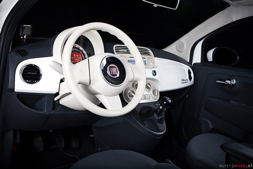 White Fiat 500 Pop
