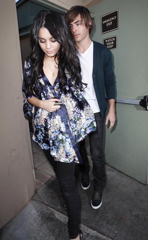Vanessa Hudgens And Zac Efron Out For Lunch In Los Angeles