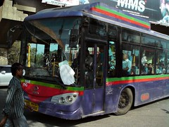 Cornering kinglong! (Akshay buses) Tags: bus best mumbai cerita cng kinglong busfanning magathane