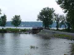 "Kingston Point ""Rotary Park"" (bawoodvine) Tags: trees summer newyork boats bridges kingston streamsandrivers"