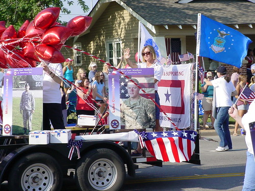 Blue Star Mothers Float in Edmond 4th of July Parade