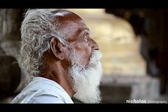 Looking for blessings.... (Nikijackson) Tags: old people india white man canon looking side nicholas chennai niki tamilnadu longing southindia expecting kanchipuram beared 400d canon400d nikijackson 55mm250mmis