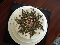 cake from the top (Neeta-Mehndidesigner) Tags: flowers wedding cake indian traditional tracy fremont arabic danville designs eastbay sacramento shaadi unioncity hayward henna mehendi stockton pleasanton mehndi sangeet indiancake wwwmehndidesignercom mehndidesigner neetasharma melamagic mehndikiraat indianweddingcake hennacakedesigns