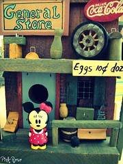 A day in her life~ (pinkyia) Tags: pink mouse store general loveit minnie minniemouse roro beautysecret myphotobook enstantane sensationa llovemypics pinkyia pinkroro loveitalwayscommenton5
