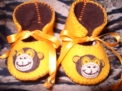 gold and chocolate handmade baby cooties with monkey face motifs (Funky Shapes) Tags: uk baby love colors animals kids children monkey shoes colours handmade unique oneofakind felt zapatos gift kawaii bebe booties dsm wholesale bebes babygift funkyshapes babyclothing babyslippers etsybaby