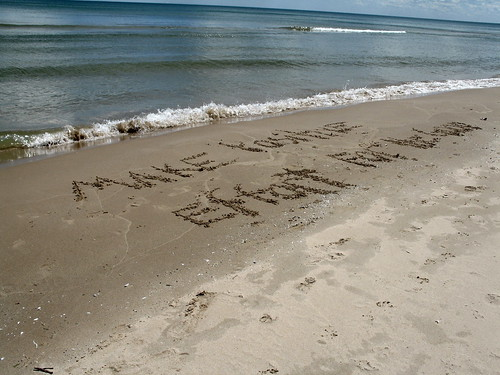Make Positive Effort For The Good, Sand Graffiti on Lake Michigan, Sheboygan County, Wisconsin, May 2008, photo © 2008 by QuoinMonkey. All rights reserved.