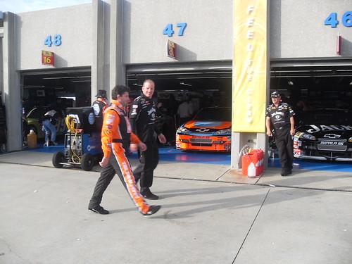 NNS: Tony Stewart in the garage