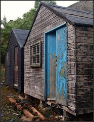 Blue Door (katrin glaesmann) Tags: holiday building scotland paint decay hut 2008 wick caithness workshed woodenwalls herringmart