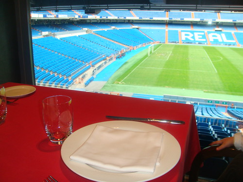 Vistas del estadio Santiago Bernabéu desde una de las mesas del restaurante