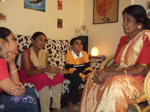Pengalpundai Mulai: Akka Pundai Kathaigal In Tamil