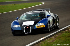 Bugatti Veyron 16.4 (Jeroenolthof.nl) Tags: france classic netherlands car germany photo jeroen nikon track d70s automotive lap 164 bugatti circuit zandvoort f28 1001 veyron 80200 bhp molsheim olthof wwwjeroenolthofnl jeroenolthofnl jeroenolthof