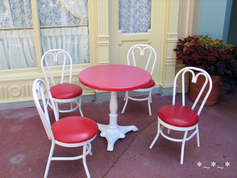IMG_6730-Disney-Magic-Kingdom-Red-Table-Chairs