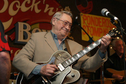 Scotty Moore at one of the first Stomp Concerts in 2003 at Rock N Bowl, New Orleans. Image (c)Joseph A. Rosen