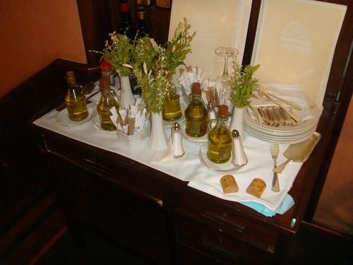Mesa auxiliar de aceites