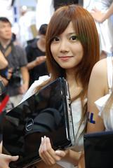 DELL SG (K.C.L) Tags: people woman cute girl beautiful beauty asian model pretty sweet babe showgirl dell belle nikond80 nikon2470mmf28 dellsg 2009台北電腦應用展