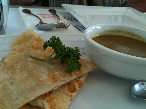 Roti Bread server with curry sauce