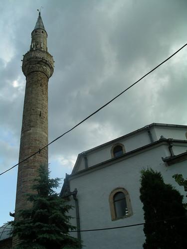 mosque, masjid, xhami, minaret in peja, kosova
